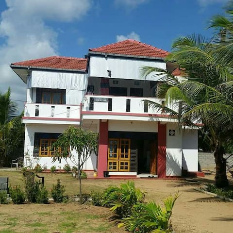 Beach Guest House Addalaichenai