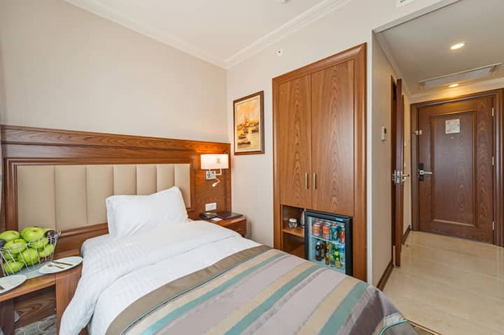 Deluxe Double or Twinbed Room &breakfast at Laleli