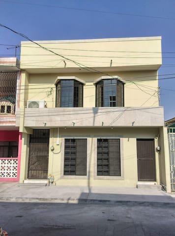 Casa remodelada cerca de CintermexFundidoraCentro