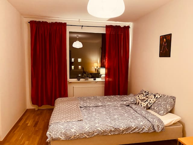 Cosy affordable double room for 1 or 2 persons
