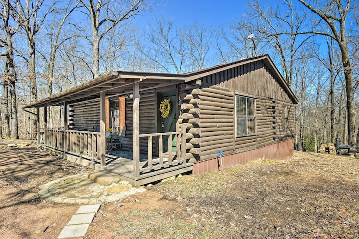 Murfreesboro Cabin w/Fire Pit-by Lake Greeson