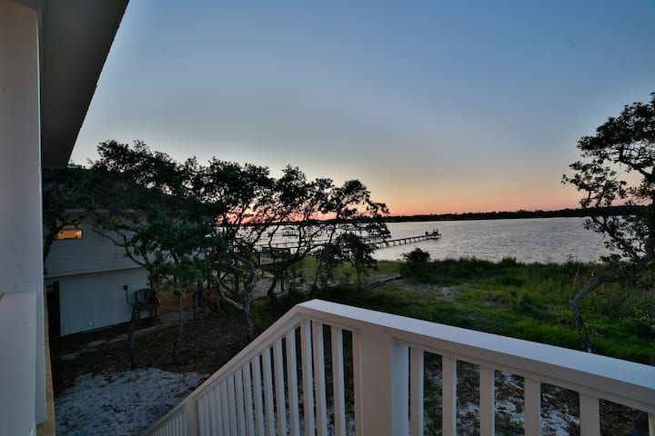 New*Private Pool/Pier*Lagoon Front*Walk to Beach!