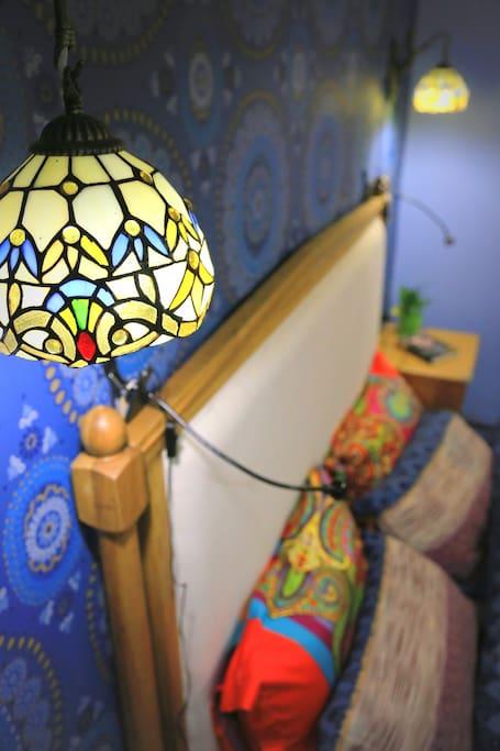 地中海的风情从一盏床头灯开始传递