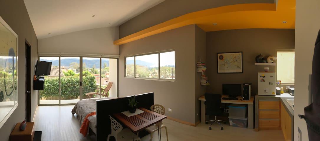 Great view studio apartment in Curridabat.