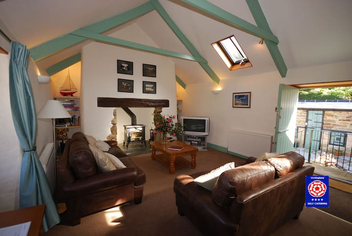 4* barn in a sheltered valley near N Coast