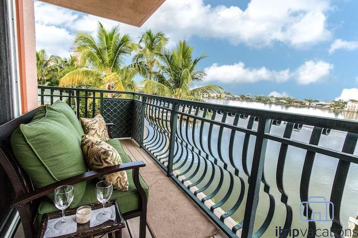 Waterfront Townhome off Gulf Shore Drive w/Boat Dock & Private Beach access across the street!