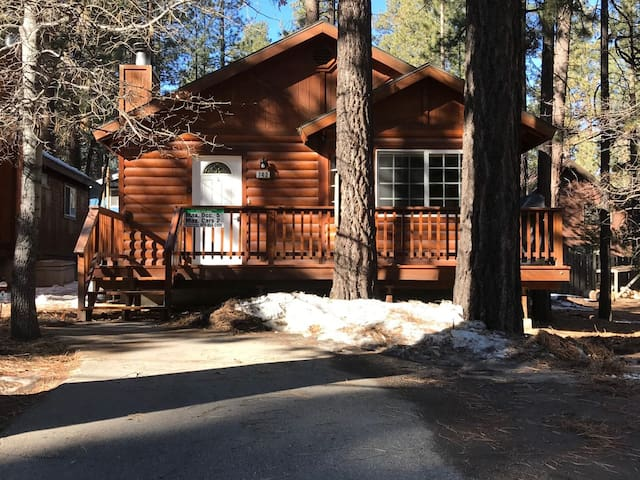 Jackalope Lodge at the Base of Snow Summit