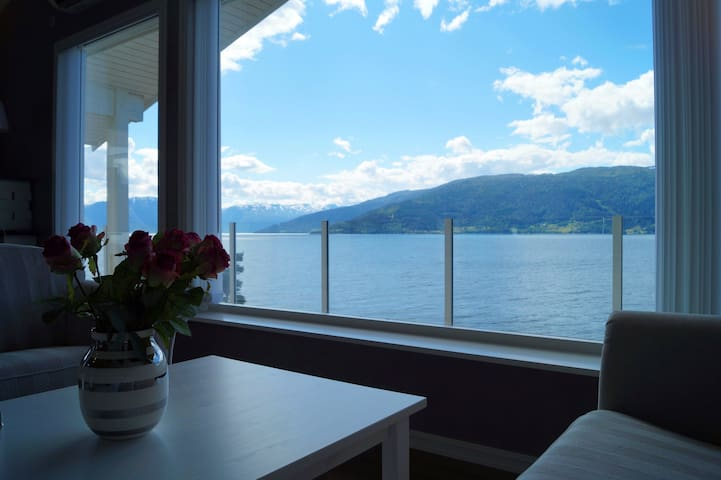 Amazing house with a view by the Sognefjord
