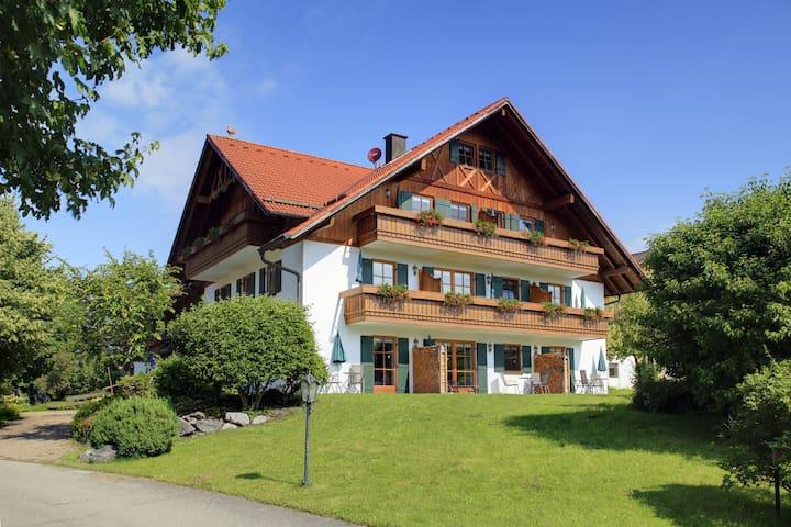 Fewo Klammspitze, Schloss- Bergblick & Seenähe