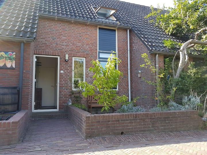 Fijn huisje in het mooiste dorpje van Groningen
