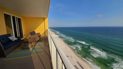 17th Floor Resort Condo. Master Bed on the gulf.