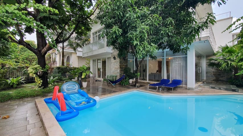 7br.clean quite house&swimming pool
