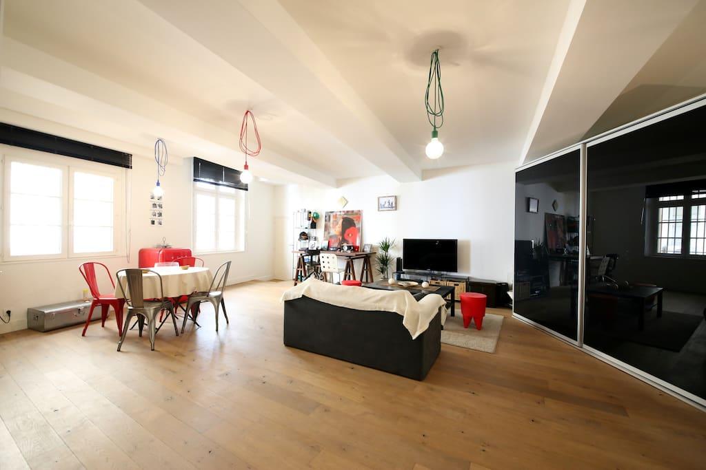 Loft design NYC, coin salon et repas