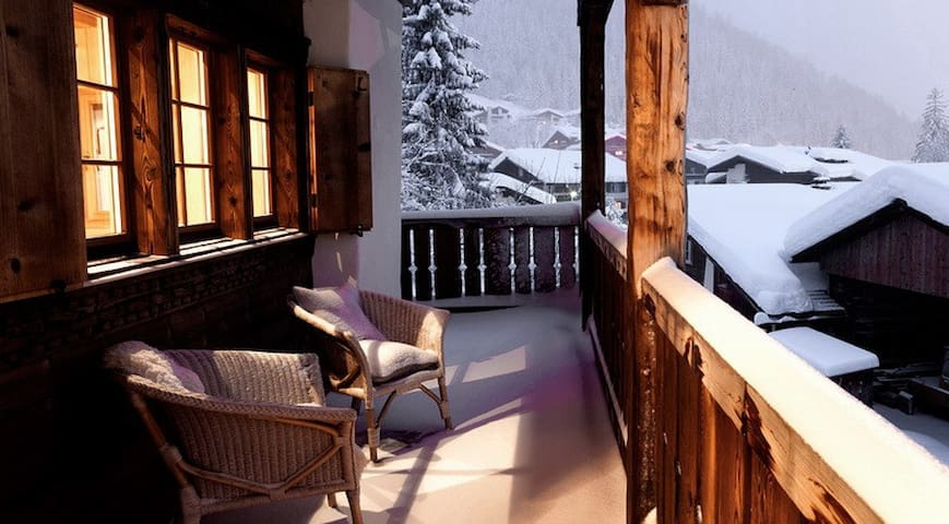 Luxurious chalet close to center of resort - Klosters-Serneus - Chalé