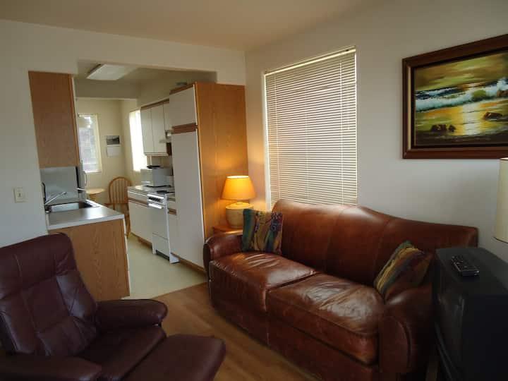 Heceta Suite Bedroom Kitchen W/Beach Access