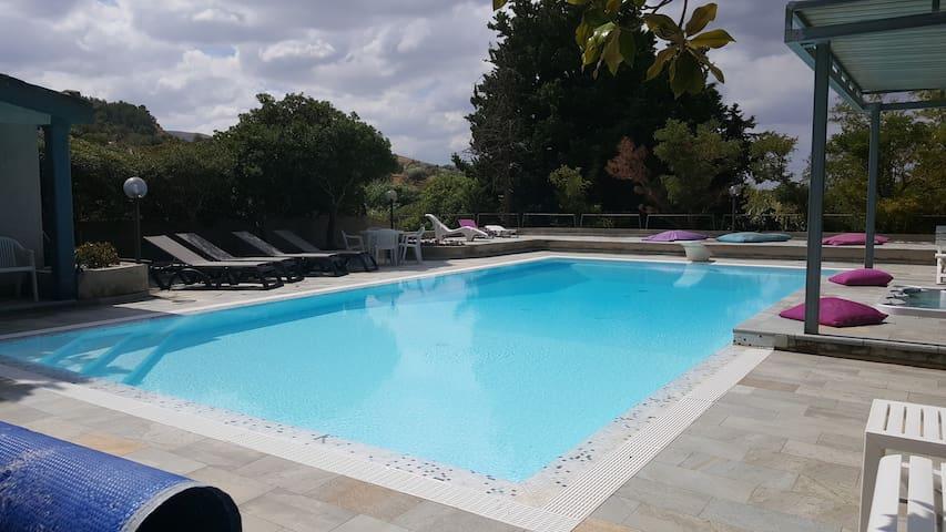 Villa con piscina Cozzo Spina natura barocco relax