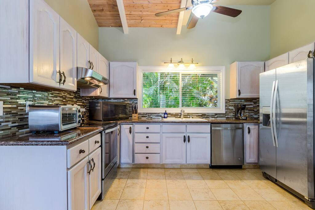 Newly renovated kitchen has everything you need and more
