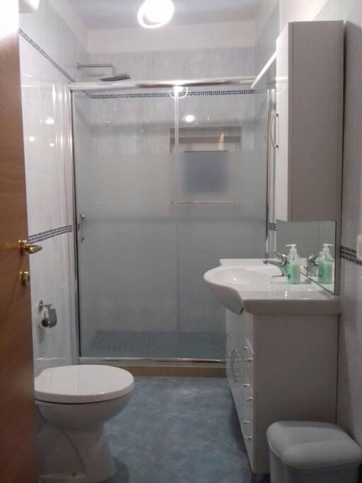 Bathroom/Banheiro/Bagno 1