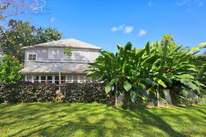 Idyllic  plantation cottage loft