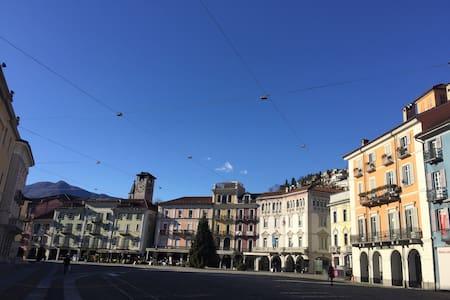 Piazza Grande, Locarno - ロカルノ - アパート