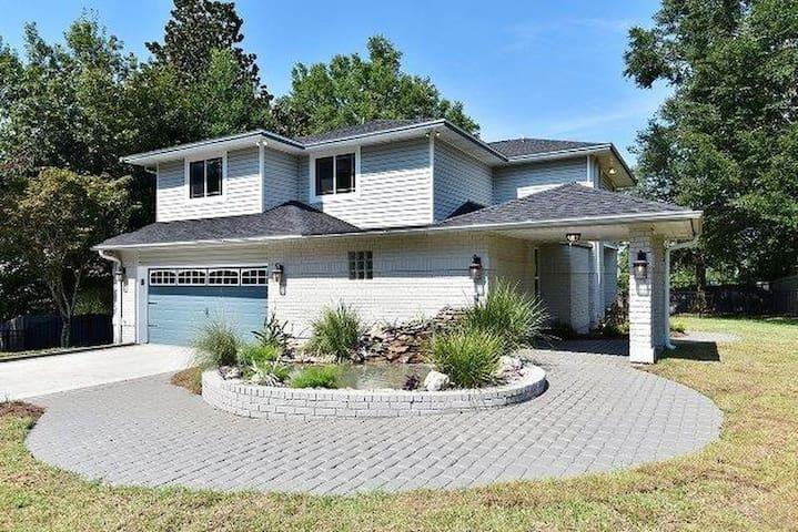 Spacious home with bay views! - Pensacola - Hus