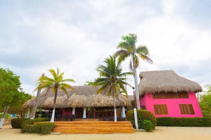 Nido Tortugas beachfront bungalow