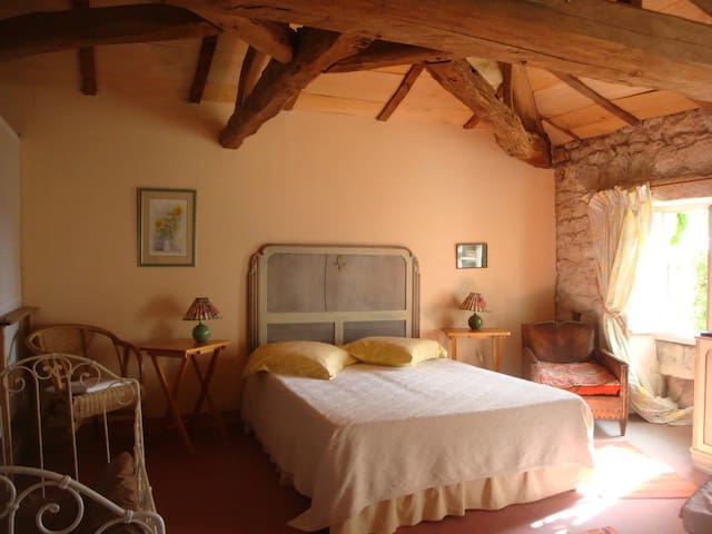 Rustic charm in Crazannes - Isabelle room