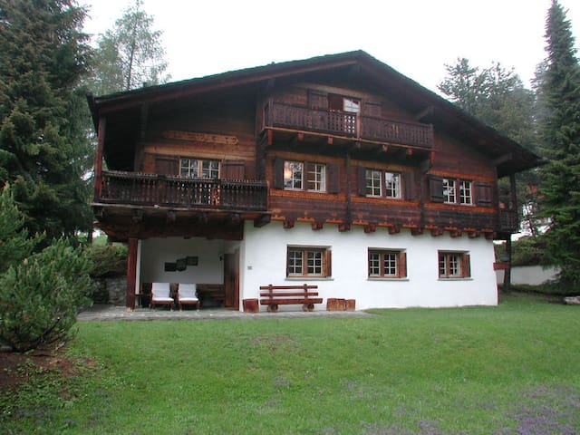 Traumhaftes Chalet in Laax - Laax - House