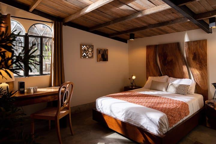 Hamanda Hotel at Souq Room # 04  Free breakfast!