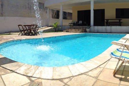 Bela casa na Beira mar com piscina - Olinda