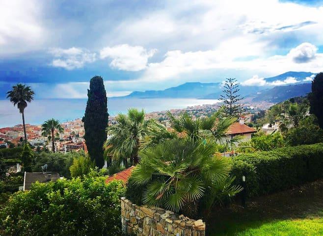 Villa con giardino e vista sulla Costa Azzurra - Bordighera - Villa