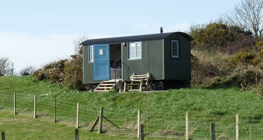 Anglesey Shepherds Hut - Bryn