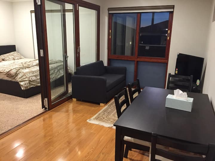 One Bedroom Furnished Apartment-Family style&clean