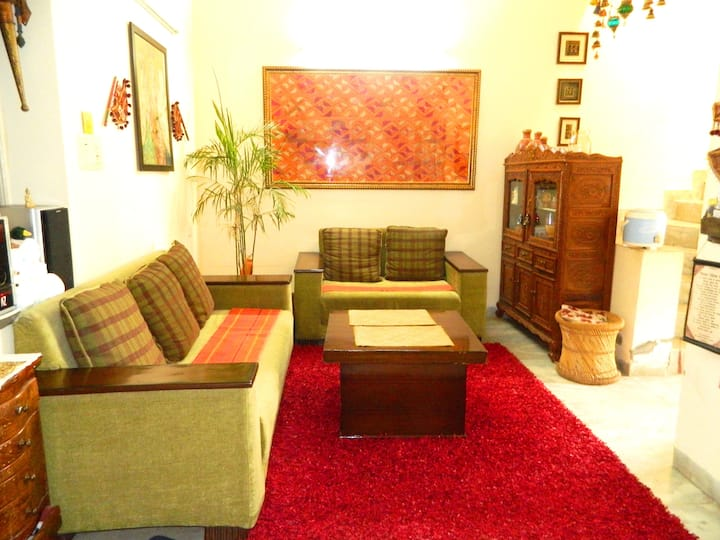 2 Rooms in Rang Mahal B&B in Safe  quite Locale