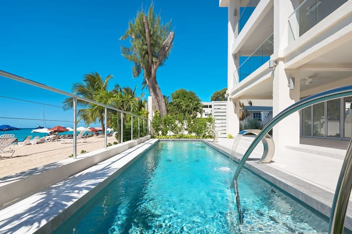 Beachfront Condo with Pool- The Villa at St. James