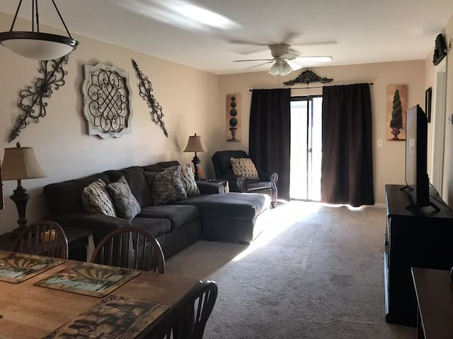2 BED/2 BATH CONDO- MINS AWAY FROM MASTERS! ⛳️