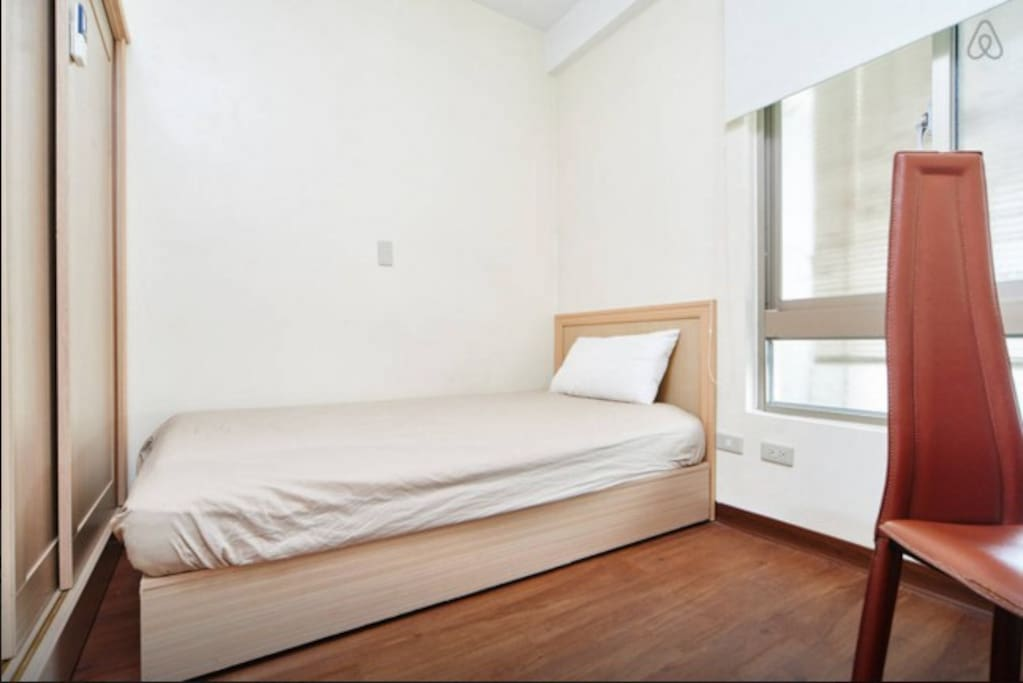 King size single bed.