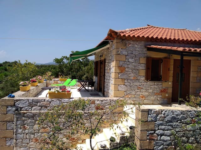 Rustic Stone house 50m to the Sea Free kayak/bikes
