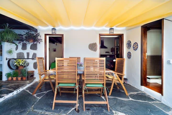Casa Emblemática La Cuadra