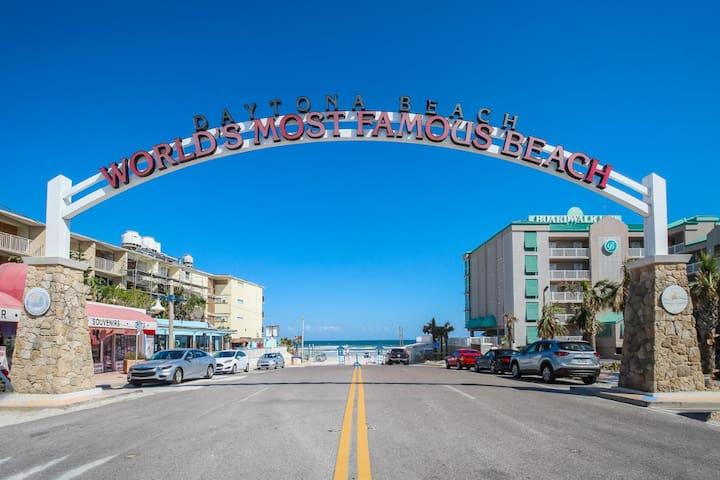 Daytona Inn Beach Resort Unit 204