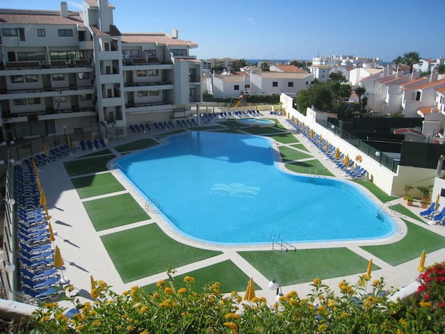 Apart. in Montechoro Albufeira w/ Swimming Pool