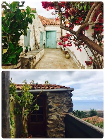 Casa Martina I & II Acojeja