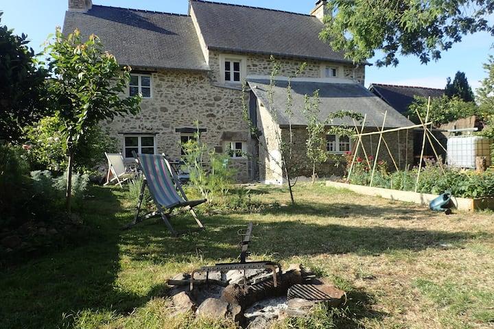 Ancienne maison à Langrolay-sur-Rance