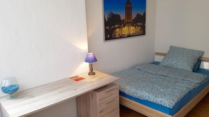 Stadtwohnung  -WG geeignet-2 Schlafzimmer-2 Bäder