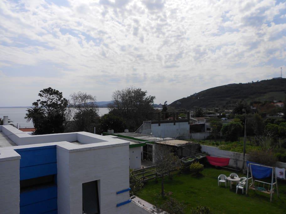 Vista de la terraza al cerro y mar