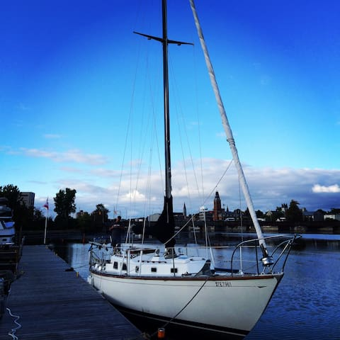 S/V Athena - Living the Dream
