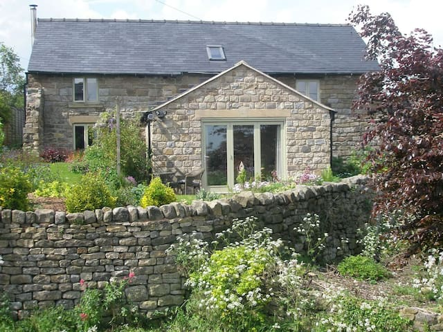 Country Cottage, sleeps 3