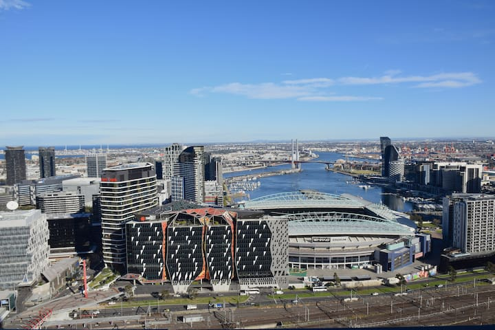 *1Bed Apt CBD* Work From HERE >Internet< >COLES<