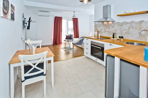 Studio Apartment in Hvar No. 2