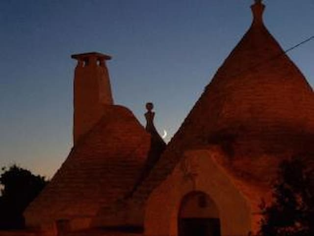 Trullo in valle d'Itria - Pascarosa - Haus